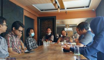 Cafe Plus Meeting Room